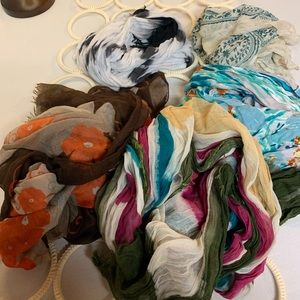 5 assorted scarves